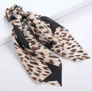 New!🌟Leopard Scarf Hair Rope